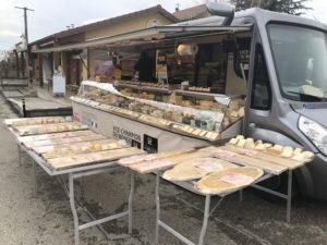 Votre Fromager sur le marché de Brézins